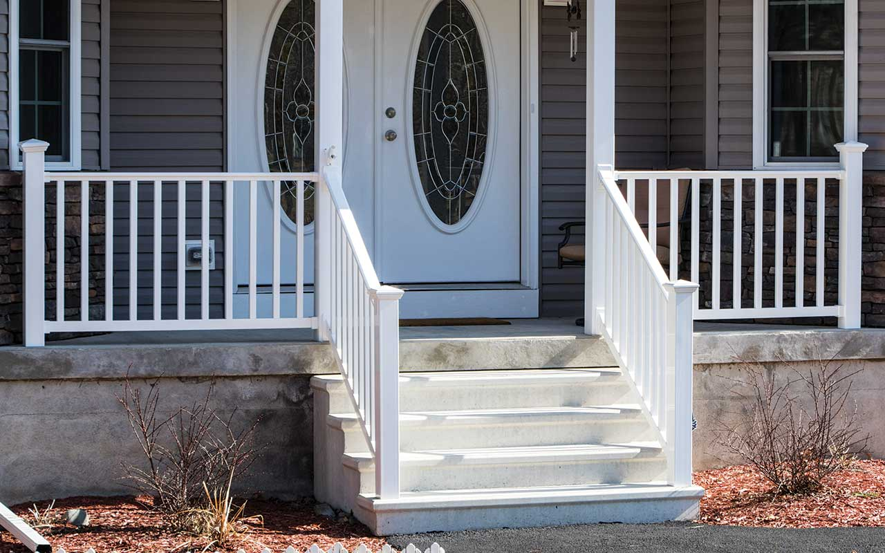 Masters Concrete Step Units - With Vinyl Rail