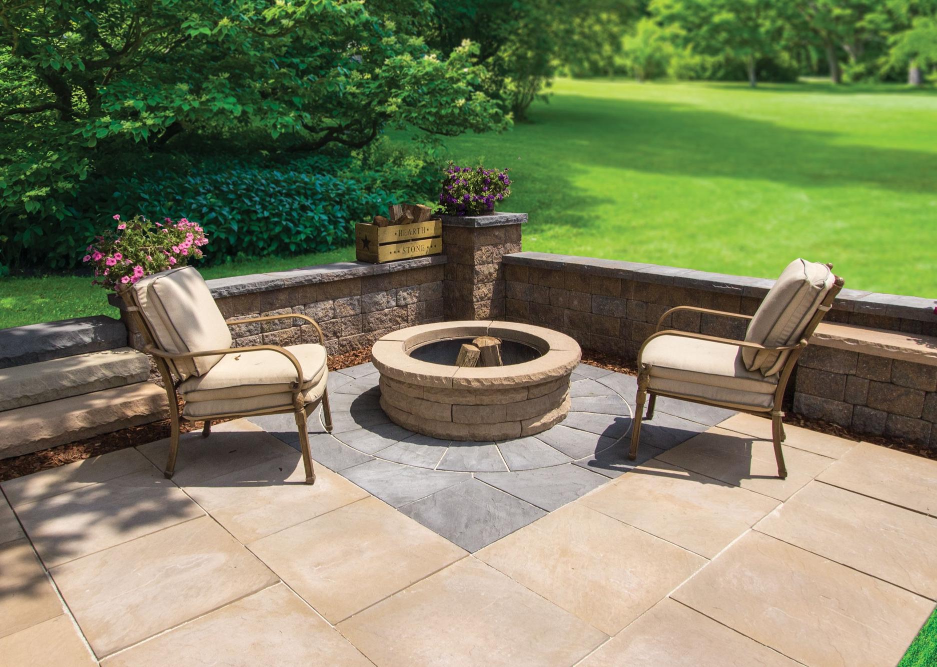 Colonial Round Firepit