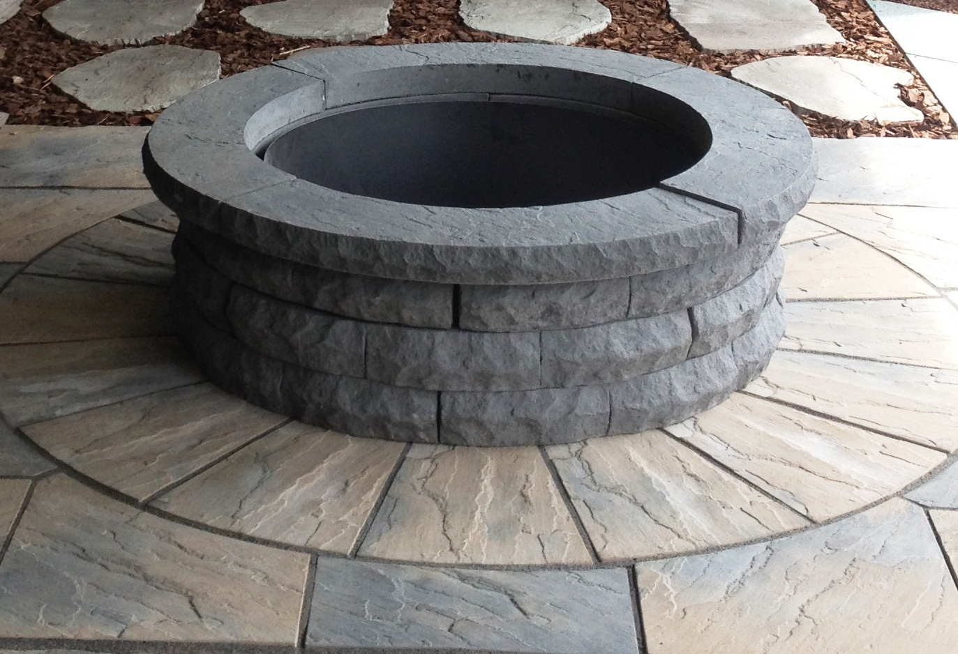 Masters Colonial Round Firepit w/ Rotary Patio Kit