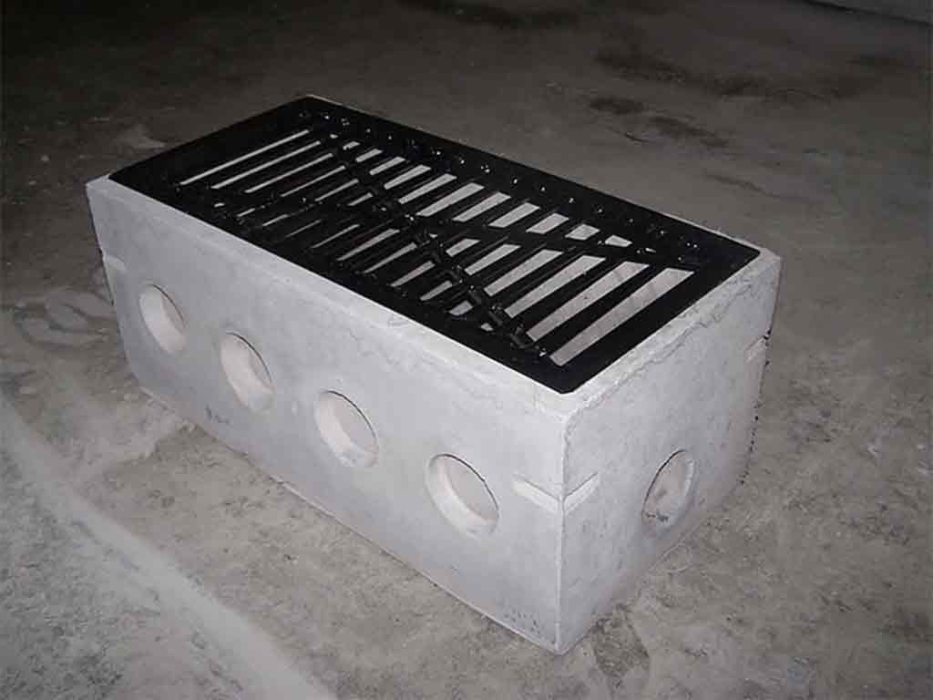 Masters Distribution Box With Grate